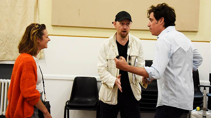 the-man-in-the-white-suit-rehearsals-05.jpg